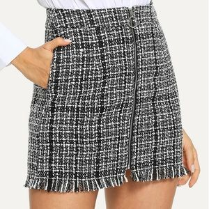 NEW plaid mini zip up skirt